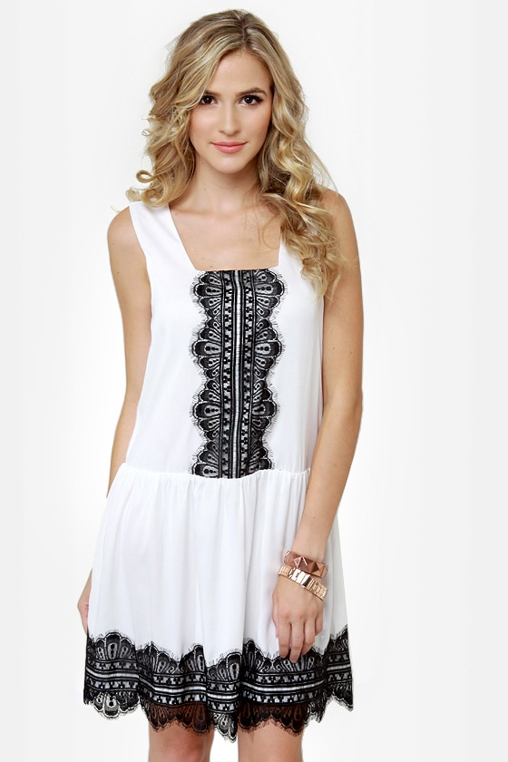 Good and Twenties White Lace Dress