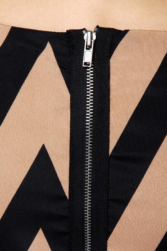 Continental Shift Black and Tan Shift Dress