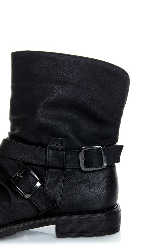 Bamboo Kacy 03 Black Slouchy Belted Ankle Boots at Lulus.com!
