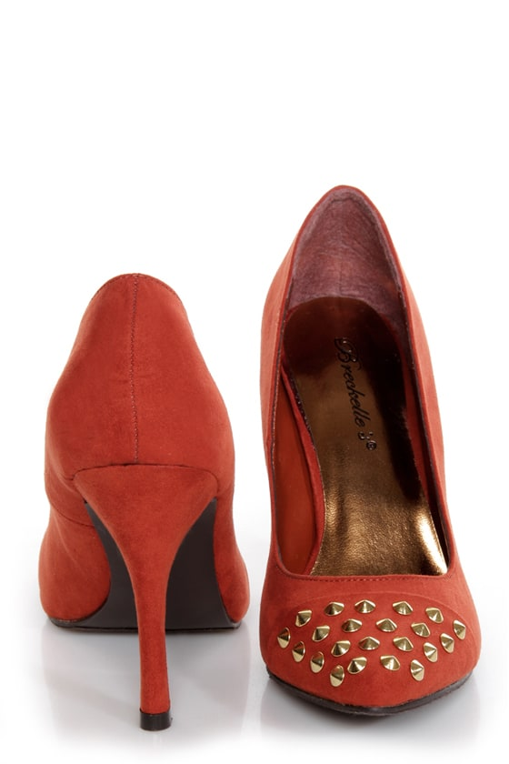 31 Toe Nail Art Designs Ideas: Holly 31 Rusty Orange Studded Cap-Toe Pointed Pumps