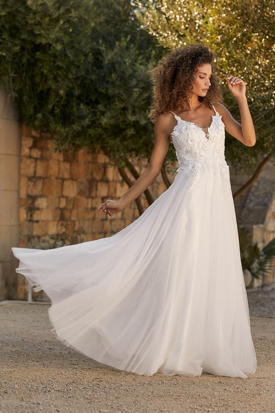 Lulus | Breathtaking Romance White Embroidered Tulle Gown | Size 2 | 100% Polyester