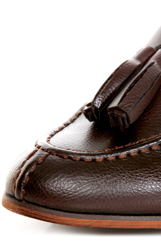 Oxy 4 Brown Slip-On Tassel Loafers at Lulus.com!