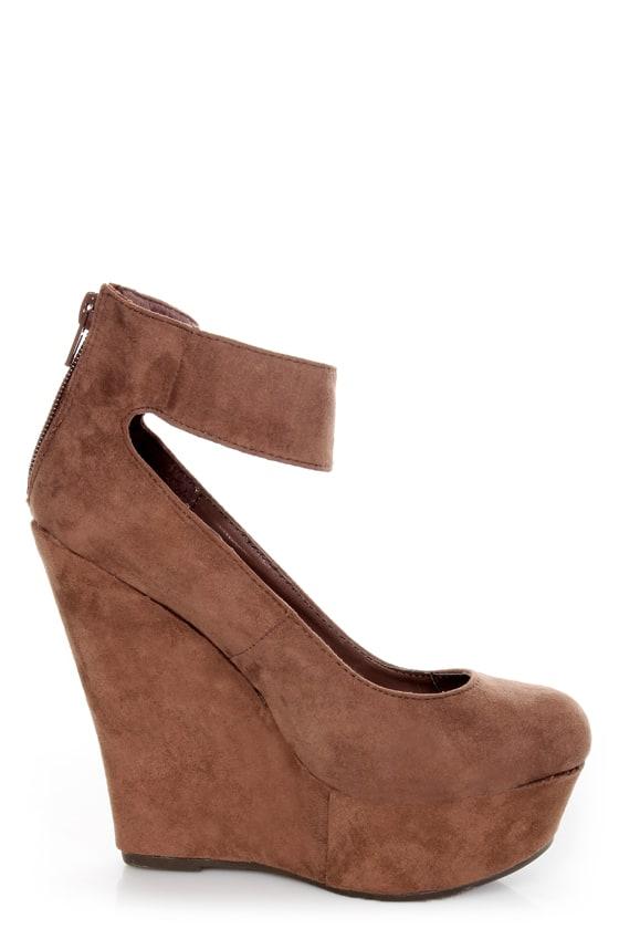 Cilo 41 Blush Brown Ankle Strap Platform Wedges