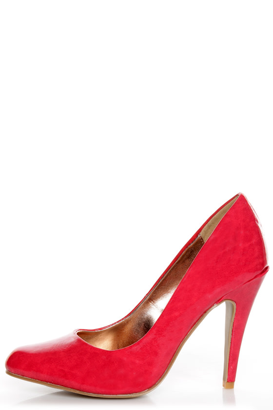 GoMax Ashland 01Z Red Patent Pumps at Lulus.com!