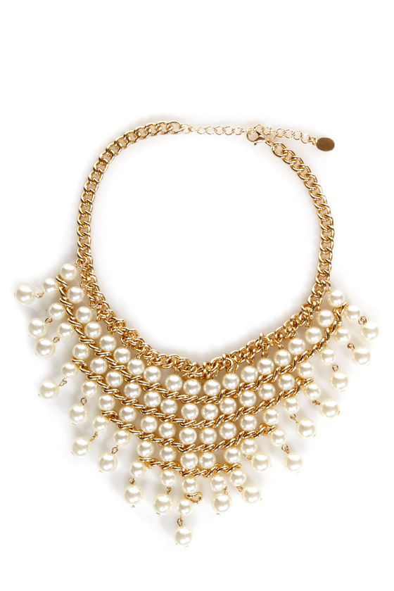 Pearly Years Collar Necklace at Lulus.com!