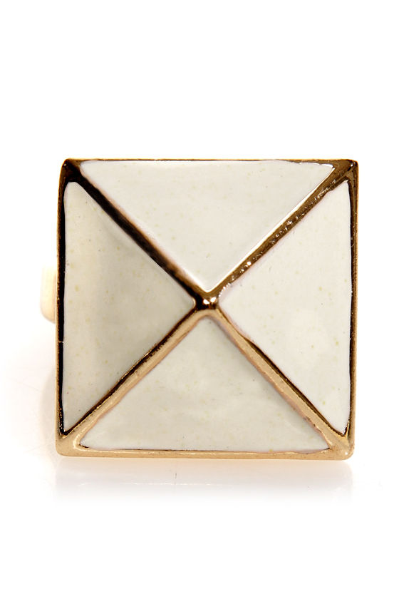 Tour of the Pyramids Statement Ring at Lulus.com!