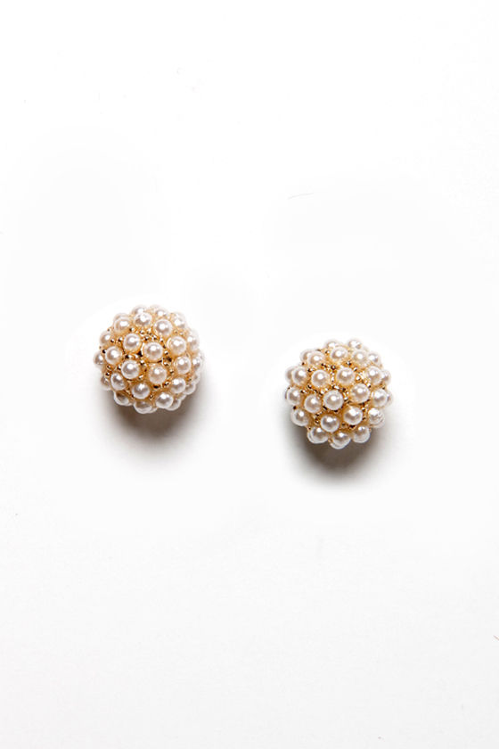 Have No Sphere! Pearl Stud Earrings at Lulus.com!