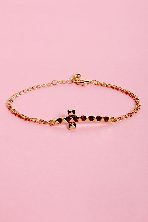 Cross-t of Living Cross Bracelet at Lulus.com!