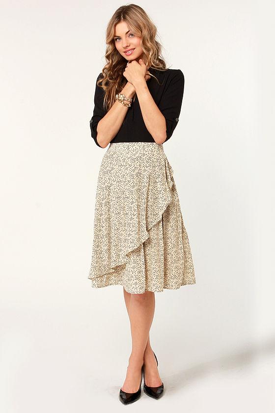 Tulle Apple Seeds Print Midi Skirt at Lulus.com!
