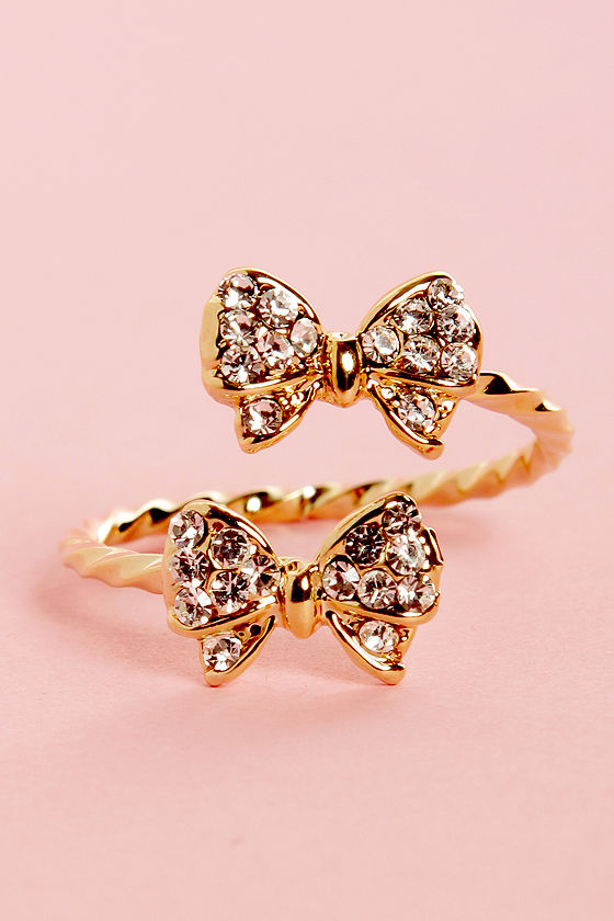 Bowfinger Gold Rhinestone Bow Ring at Lulus.com!
