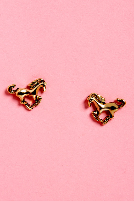Mare Necessities Gold Horse Earrings at Lulus.com!