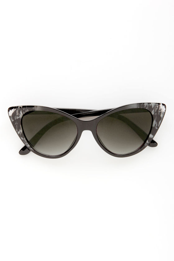 Catcalls Grey Leopard Cat-Eye Sunglasses at Lulus.com!