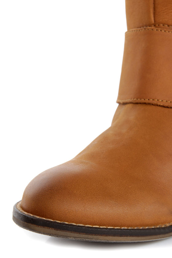 Steve Madden Bankker Cognac Leather Belted Riding Boots at Lulus.com!