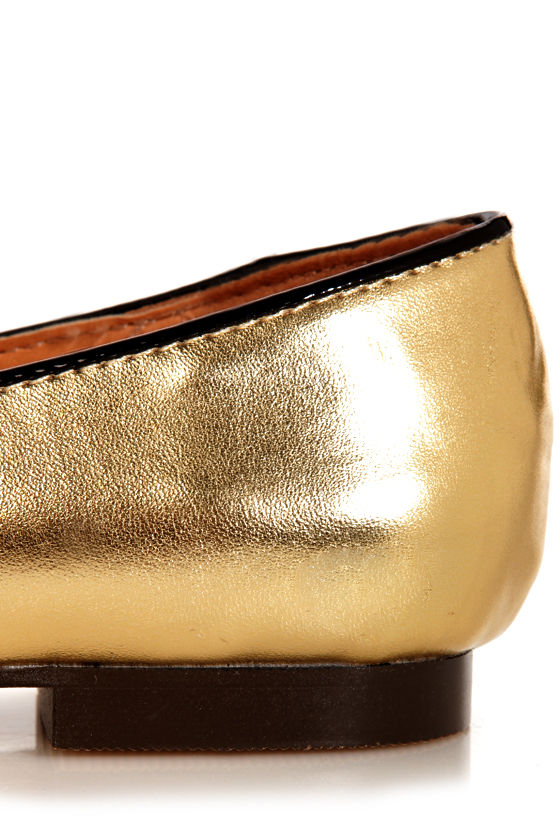 C Label Judy 1C Gold Metallic Kitty Smoking Slipper Flats at Lulus.com!