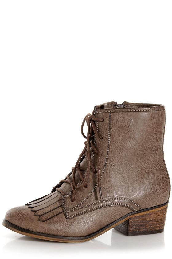 Pisa 25 Brown Kiltie Lace-Up Ankle Boots at Lulus.com!
