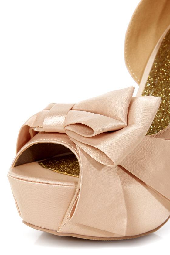 Qupid Miriam 79 Nude Matte Satin Sculpted Bow Platform Pumps at Lulus.com!