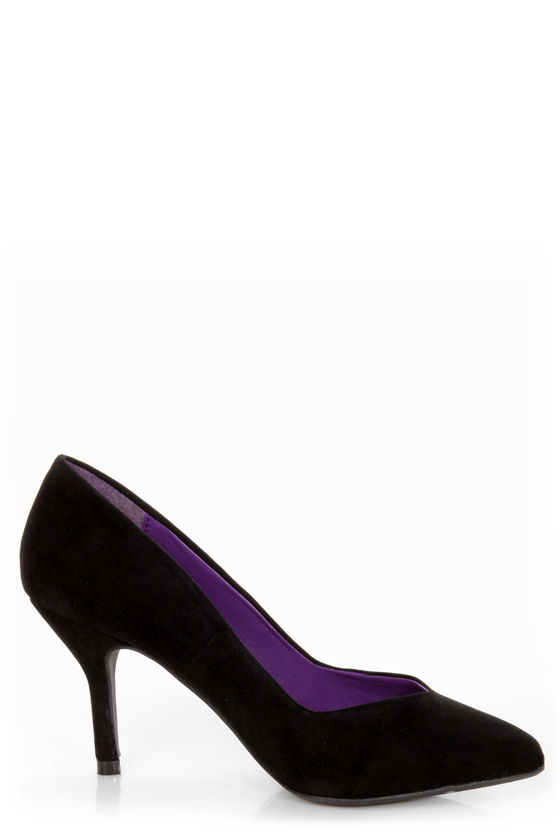 Bamboo Deluxe 01 Black Pointed Pumps at Lulus.com!