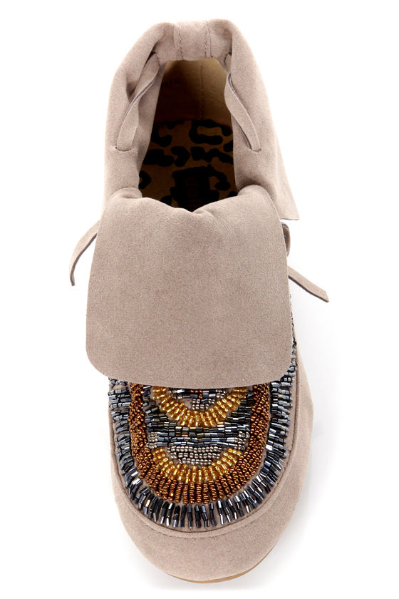 Dollhouse Tribe Taupe Fold-over Beaded Moccasin Booties at Lulus.com!