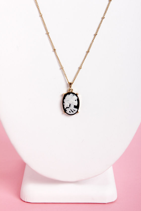 Skele-Vision Cameo Skull Necklace at Lulus.com!
