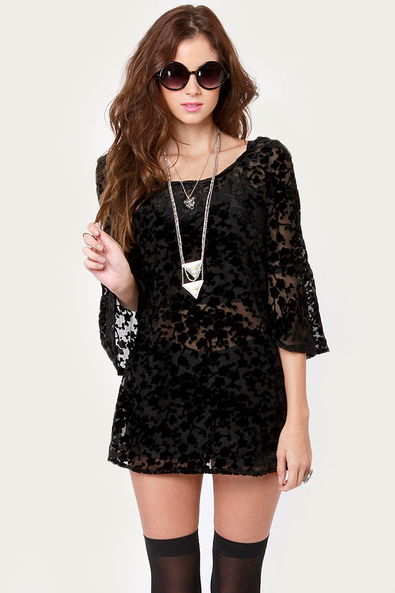 Gypsy Junkies Blossom Velvet Black Tunic Top at Lulus.com!
