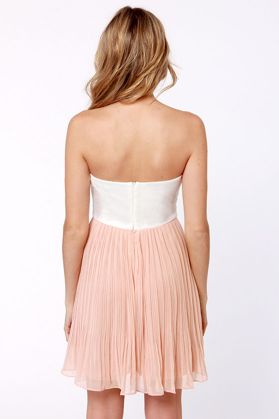 Tulip Temptations Strapless Blush Pink Dress at Lulus.com!