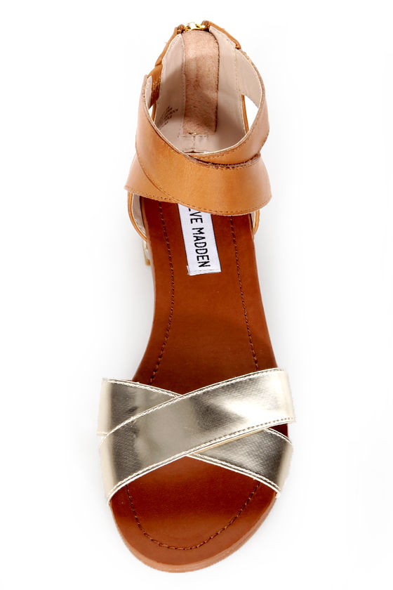 Steve Madden Benadet Gold Multi Flat Sandals at Lulus.com!