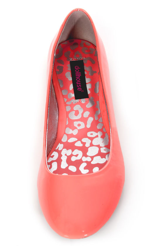 Dollhouse Yummy Coral Patent Ballet Flats at Lulus.com!