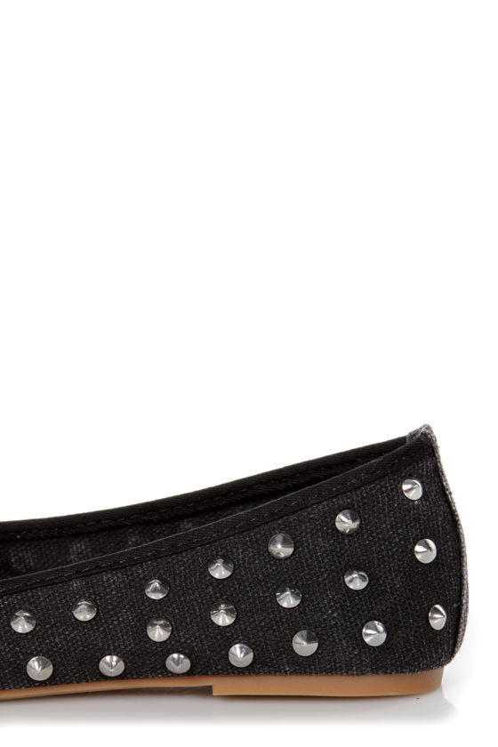 Bamboo Kiwi 01 Black Canvas Studded Smoking Slipper Flats at Lulus.com!