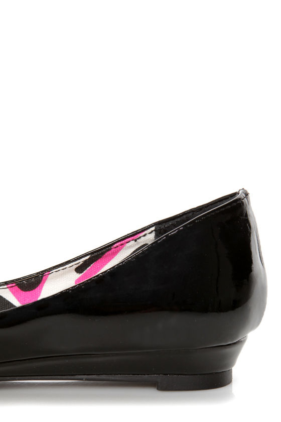 Madden Girl Radiannt Black Patent Pointed Flats at Lulus.com!