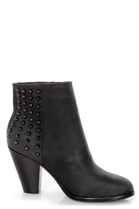 Steve Madden Acedd Black Leather Studded Ankle Boots - $139.00