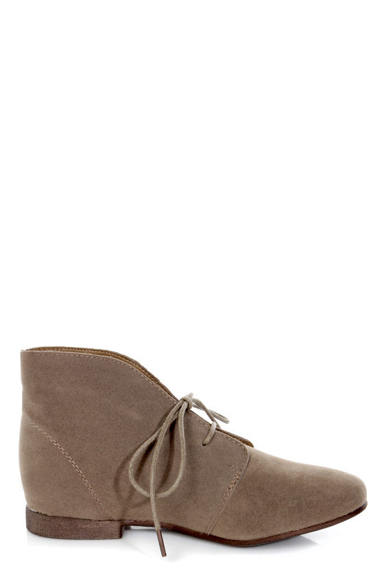 Sandy 61 Taupe Lace-Up Desert Boots at Lulus.com!
