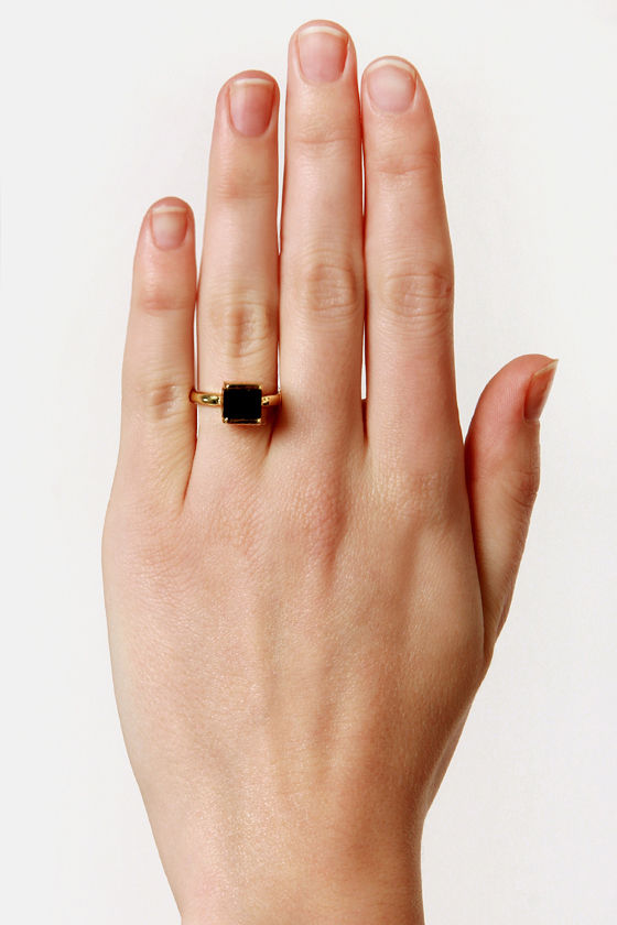 Square in the World Gold and Black Ring at Lulus.com!