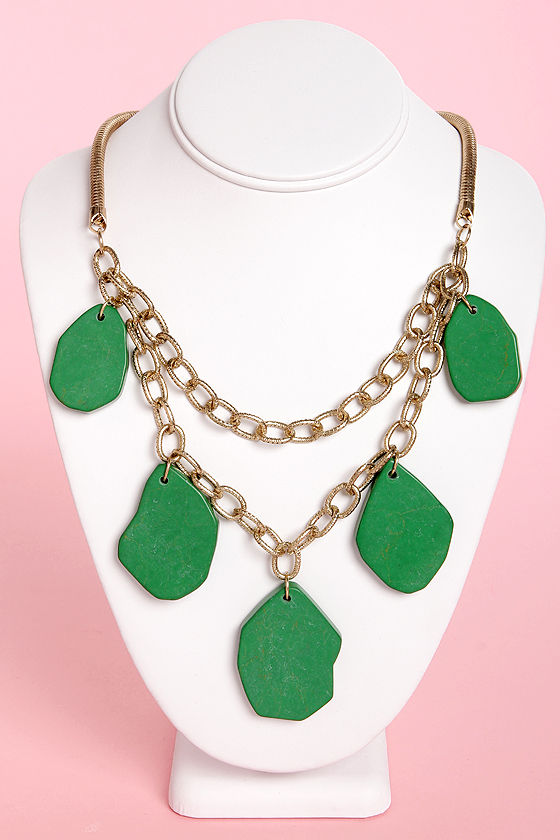 La-La Landmass Green Statement Necklace at Lulus.com!