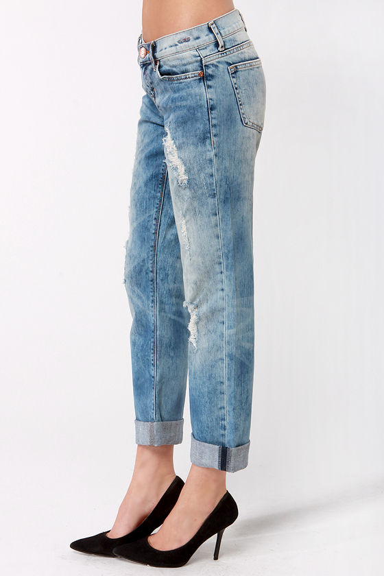 Dittos Sari Mid Rise Straight Leg Destroyed Boyfriend Jeans at Lulus.com!