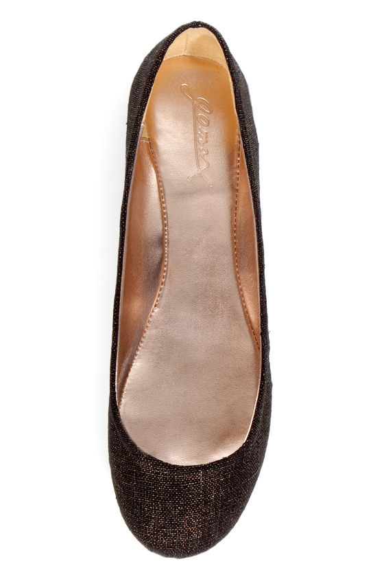GoMax Sienna 22L Black and Gold Fabric Ballet Flats at Lulus.com!