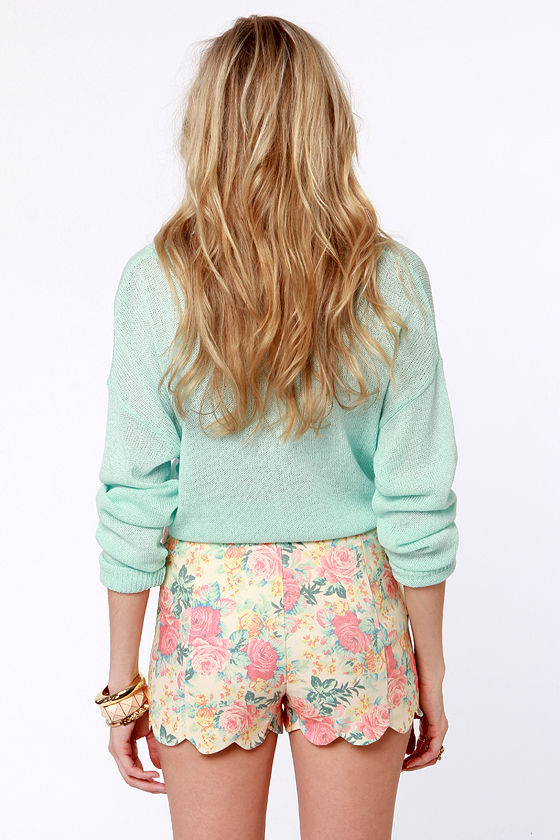 Shorts Illustrated Beige Floral Print Shorts at Lulus.com!