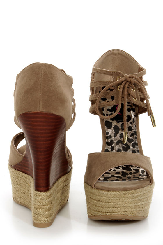 Dollhouse Hotstuff Nude Lace-Up Ankle Cuff Platform Wedges at Lulus.com!