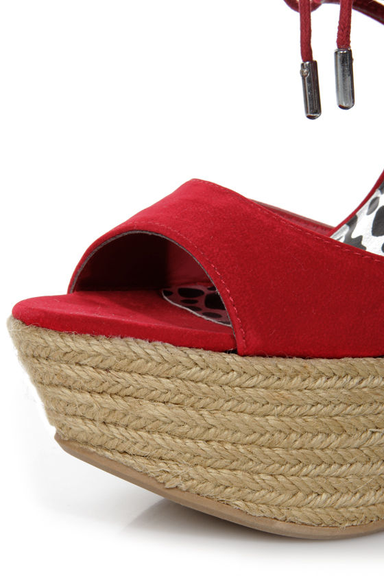 Dollhouse Hotstuff Red Lace-Up Ankle Cuff Platform Wedges at Lulus.com!