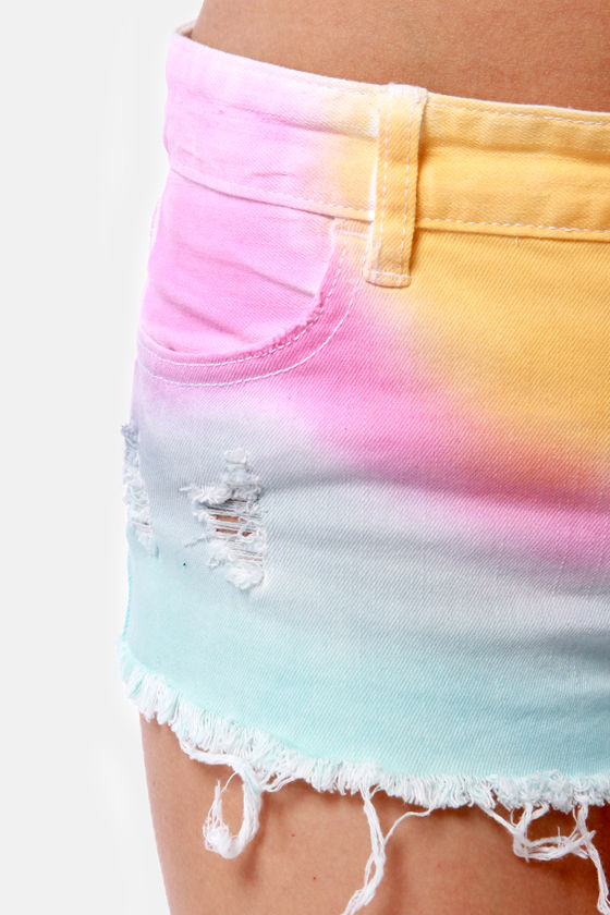 Billabong Broken Hearted Tie-Dye Denim Shorts at Lulus.com!