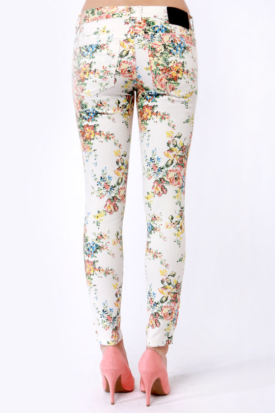 Billabong Seeker White Floral Print Skinny Jeans at Lulus.com!