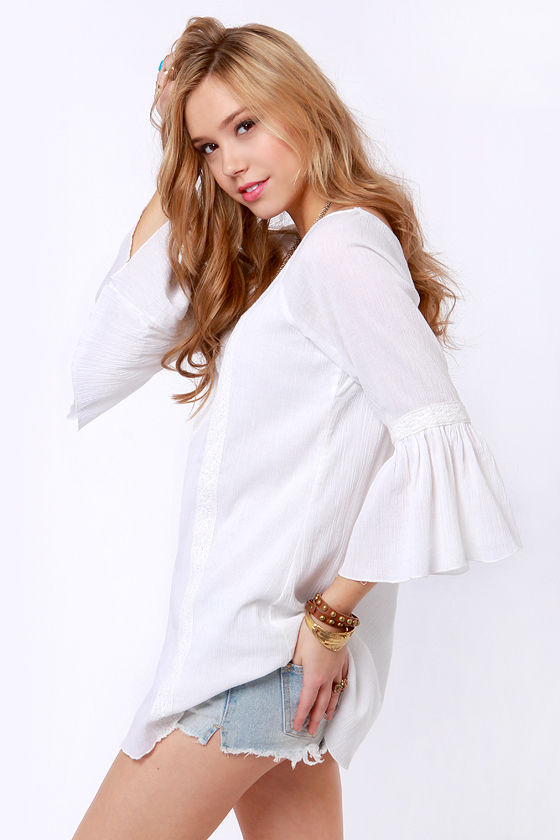 Billabong Earth Dancin' White Bell Sleeve Top at Lulus.com!