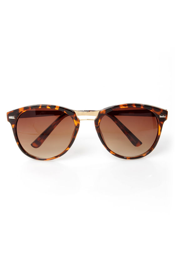 Hall of Frames Gold and Tortoise Sunglasses at Lulus.com!