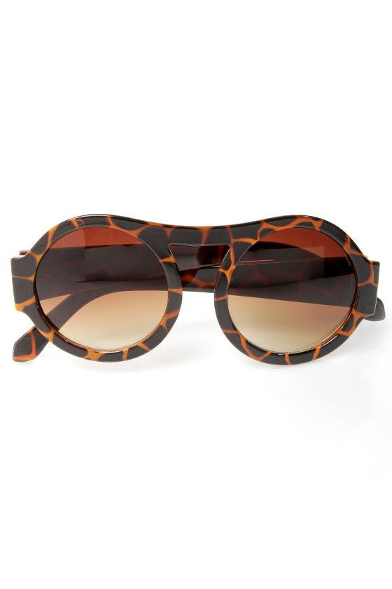 Trend Spotter Tortoise Sunglasses at Lulus.com!