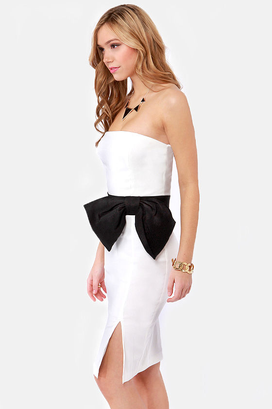 LULUS Exclusive Stunning Side Up Strapless White Dress at Lulus.com!
