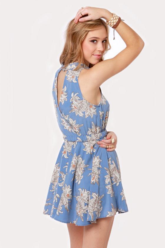 Just a Lily Bit Blue Floral Print Dress at Lulus.com!