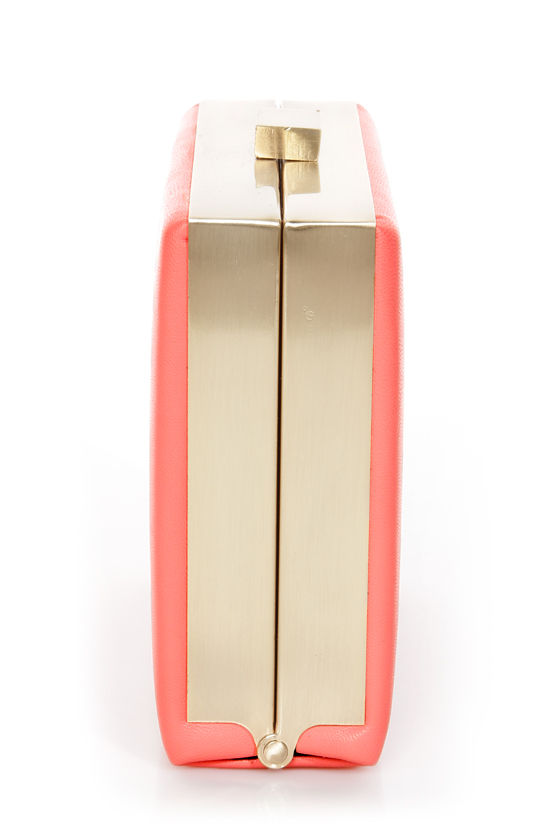 Gasping for Square Coral Clutch at Lulus.com!