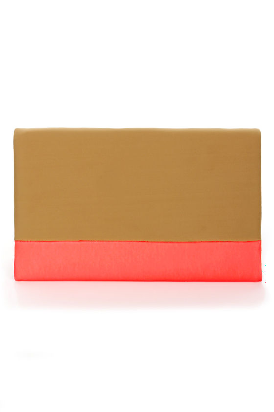 Viva la Vivid Tan and Neon Coral Clutch at Lulus.com!