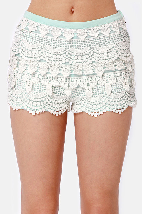Love Seat White and Mint Blue Lace Shorts at Lulus.com!