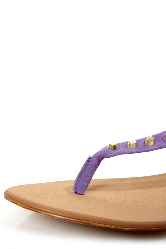 Envy Daphne Lilac Suede Studded Thong Sandals at Lulus.com!