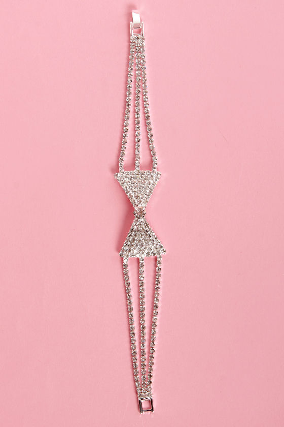 Bow-Stopper Silver Rhinestone Bow Bracelet at Lulus.com!